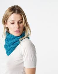 Rock A Hula Cowl by Wool and The Gang