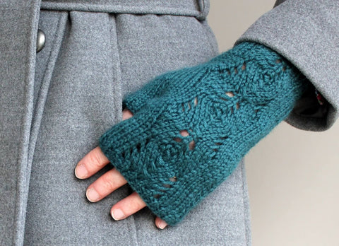 Scots Pine Gloves - By Julia Marsh - Digital Pattern Only