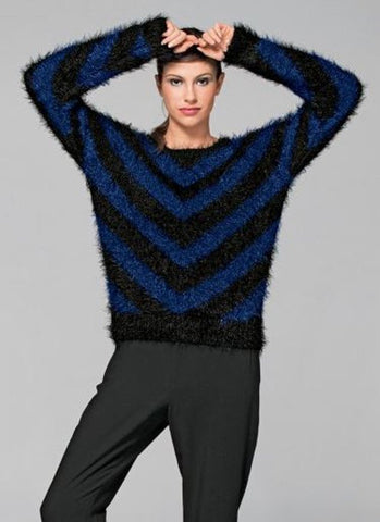 Round Neck Two Tone Sweater in Bergere de France Plume (705.36)