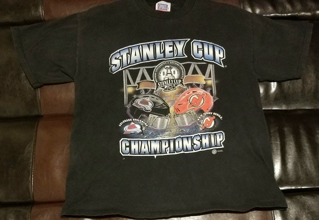 2001 STANLEY CUP CHAMPIONSHIP COLORADO AVALANCHE NEW JERSEY DEVILS T-Shirt Men's LARGE L