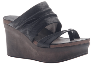 """Ole Tailgate in Black"" Platform Wedge Sandal"