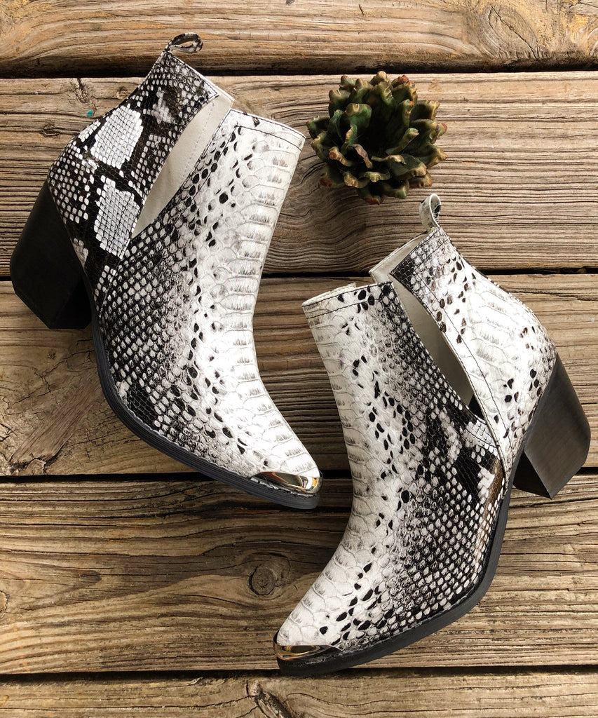 """Ole Midnight Rider"" Snakeskin Side V Cut Silver Tip Booties"