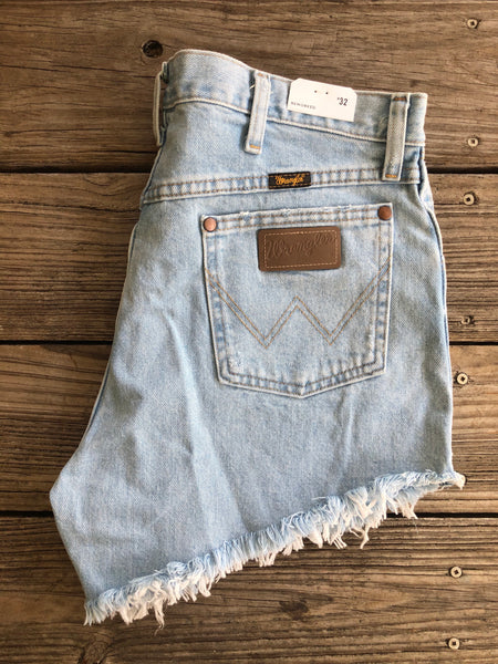 "Wrangler ""Reworked"" Light Wash Cut Off Jean Shorts ~ Size 32"
