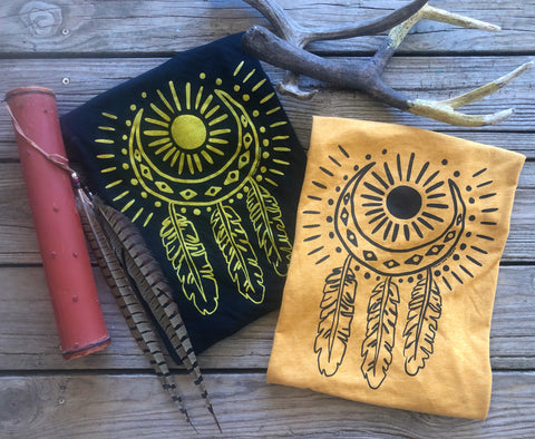 """Ole Luna Del Sol"" Feather Dreamcatcher Graphic Tee"