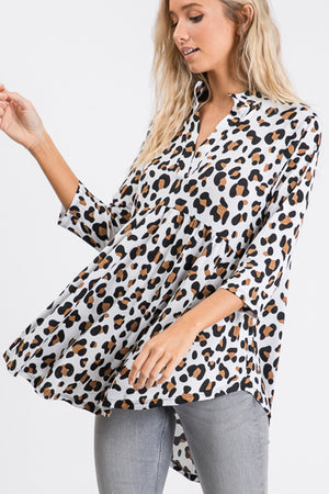 """Ole Queen of the Jungle"" Jumbo White & Beige Leopard Print V Neck Babydoll Tunic Top"
