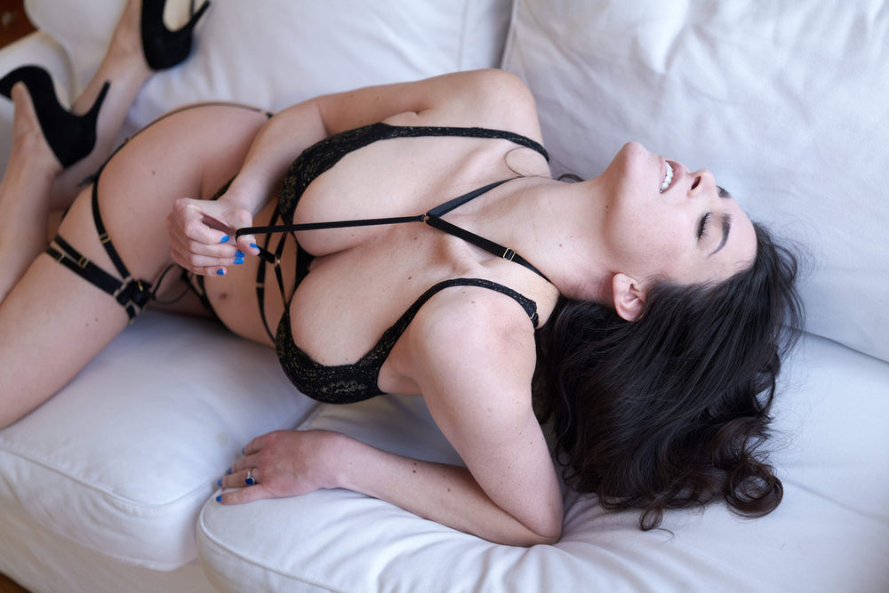Load image into Gallery viewer, Andriele Kinky Bondage Set - Colette And Sebastian