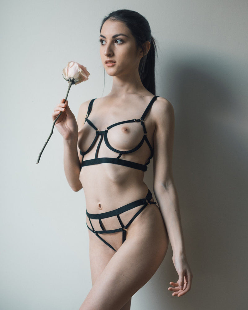 Load image into Gallery viewer, Black Stella Bra