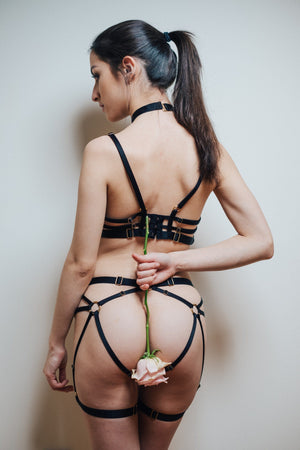 Load image into Gallery viewer, Black Kiki Thong