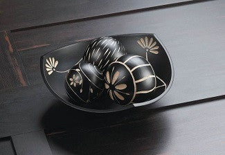 Artisan Tri-Point Bowl & Decorative Balls