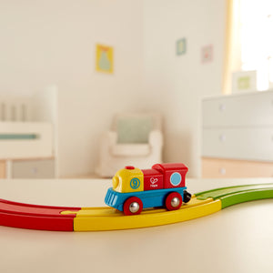 BRAVE LITTLE ENGINE BY HAPE