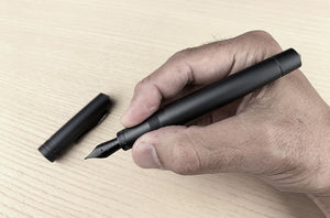 ITALIA Fountain Pen - Black Aluminum