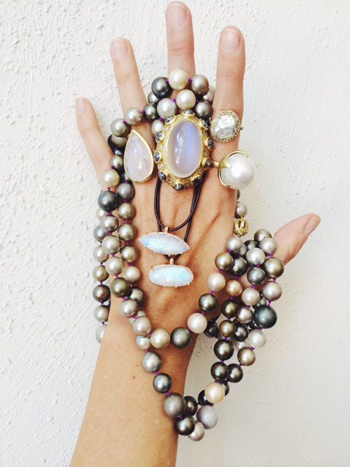 Pearl And Moonstone Are The Two Birthstones For June In Hindu