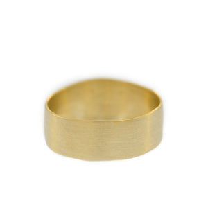 The Classic Band in Yellow Gold, For Men, 8mm