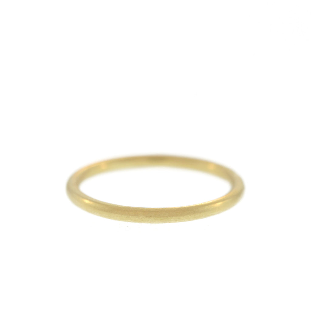 The European Band in Yellow Gold, For Men, 2mm