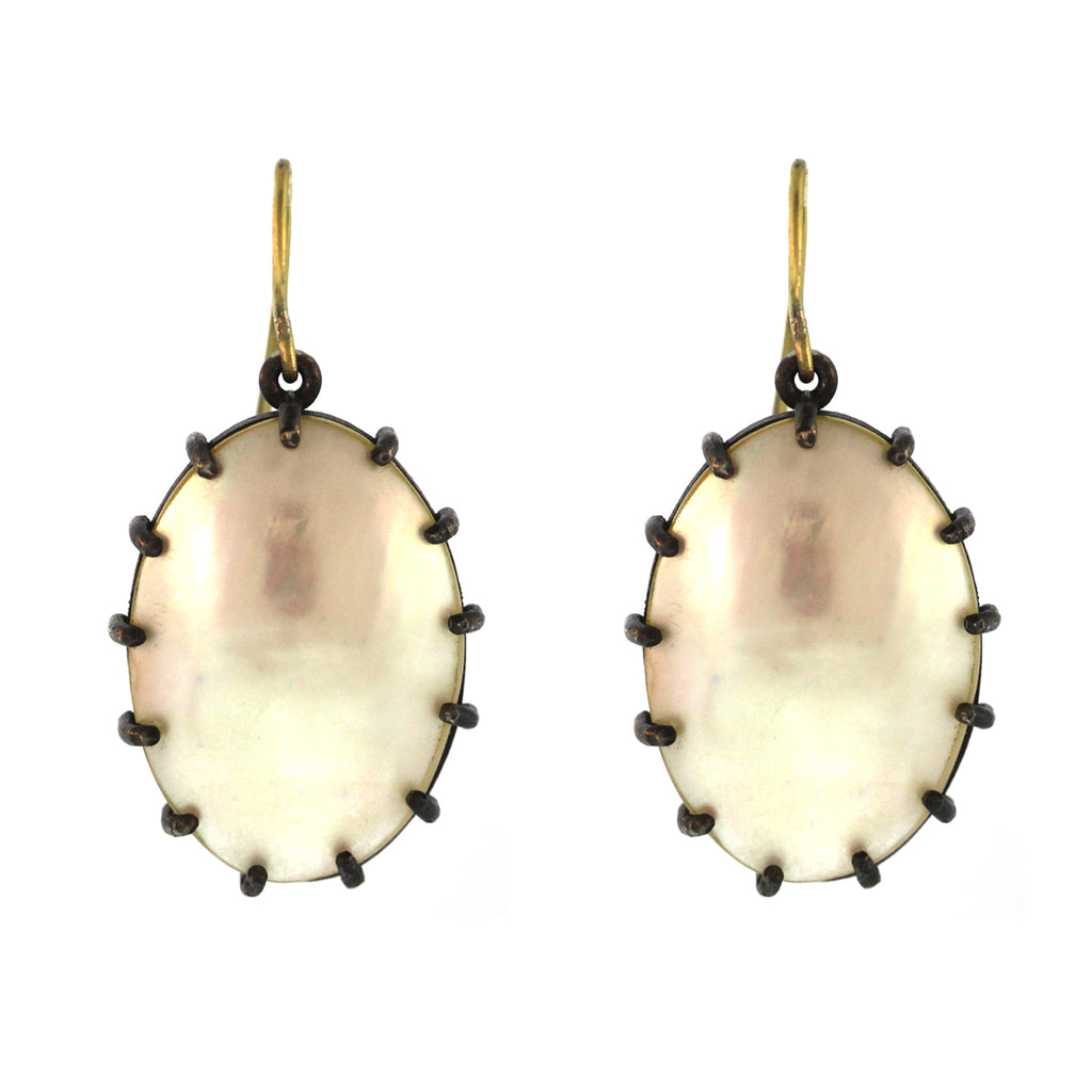 The Mother of Pearl Oval Earring