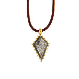 A Diamond Slice Kite Pendant