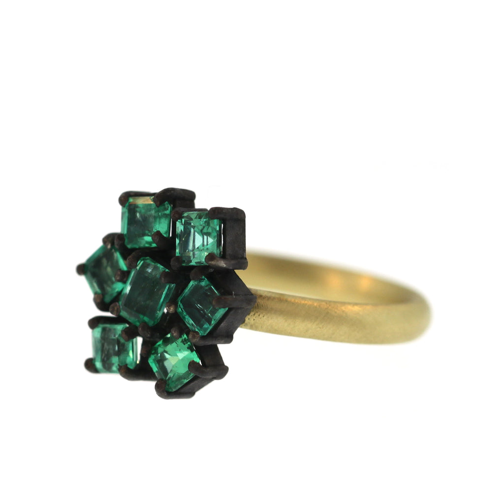 An Emerald Cluster Ring