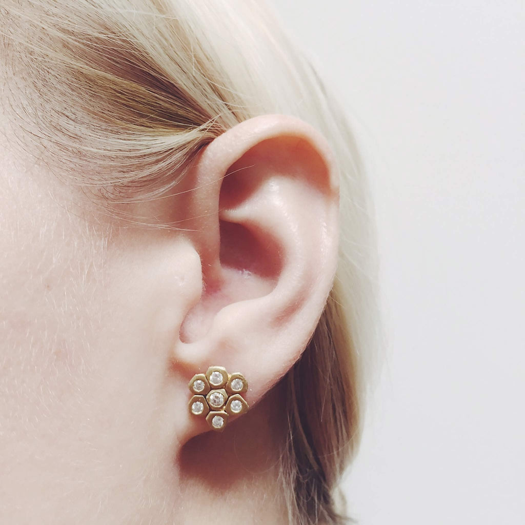A Brilliant Diamond Flower Stud