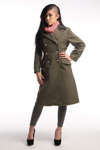 Women's Black Collar Gray Overcoat