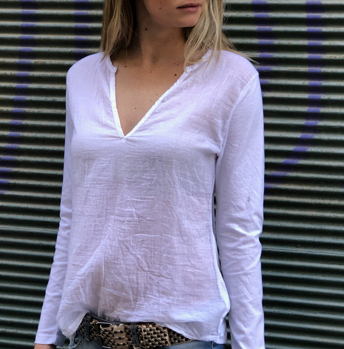 Easy Deep V Gauze Shirt