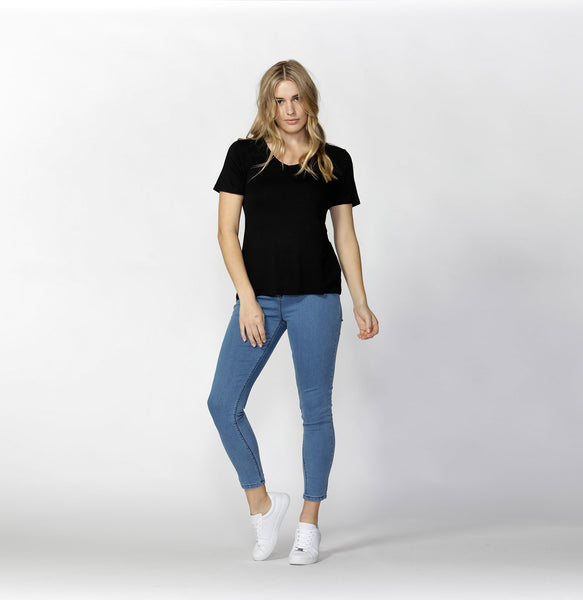 Manhattan V Neck Tee