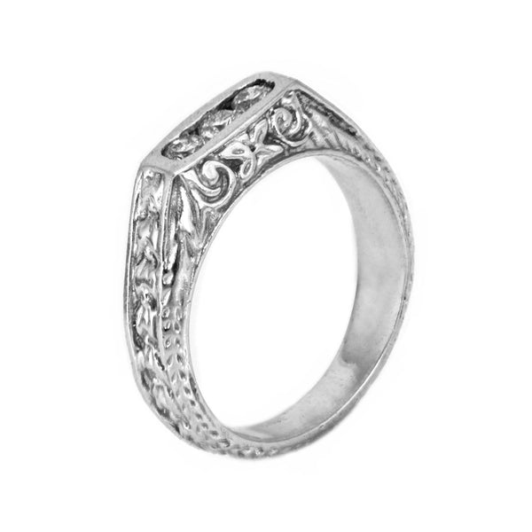 0.25ct Round Diamonds 18K White Gold Three Stone Victorian Wedding Ring