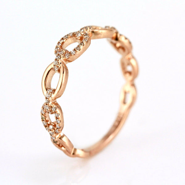 0.15ct Pavé Round Diamonds in 14K Gold Oval Anchor Link Band Ring