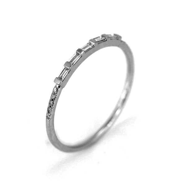 0.18ct Baguette & Round Diamonds in 14K Gold Half Eternity Band Ring