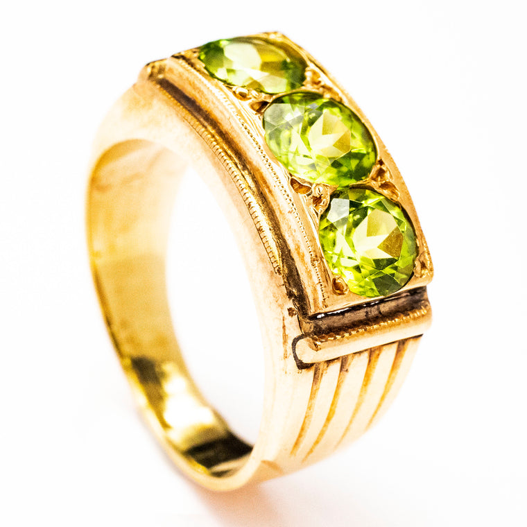 18kt 1940's Three Peridot Ring