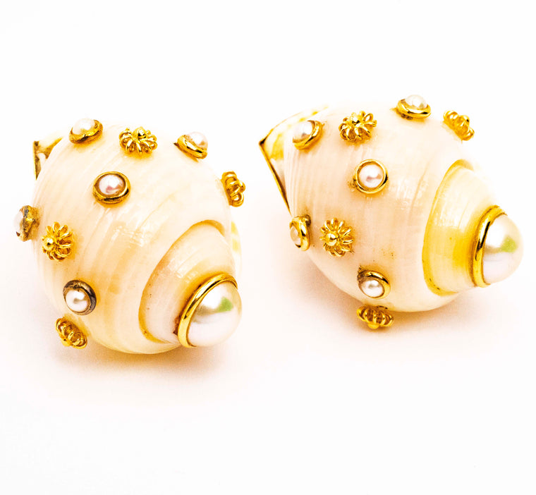 Maz Seashell Pearl Earrings