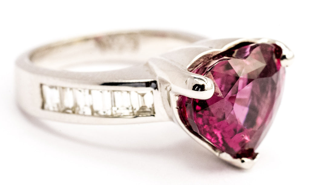 One Lady's Purple Spinel and Diamond Ring