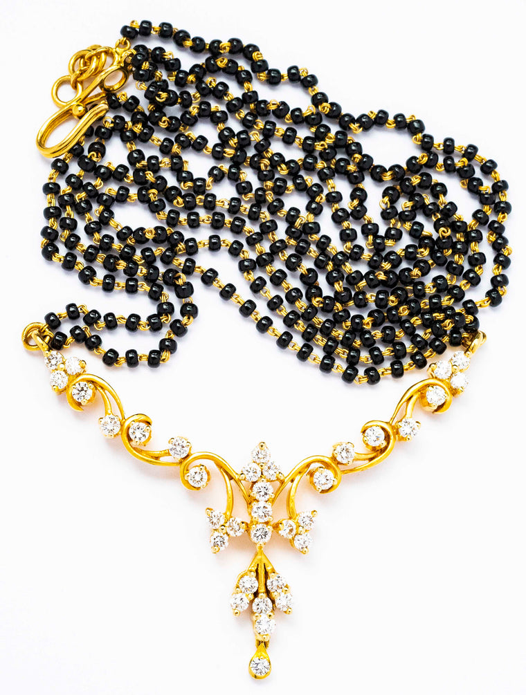 18kt Yellow Gold Black Beaded Chain with Diamond Pendant