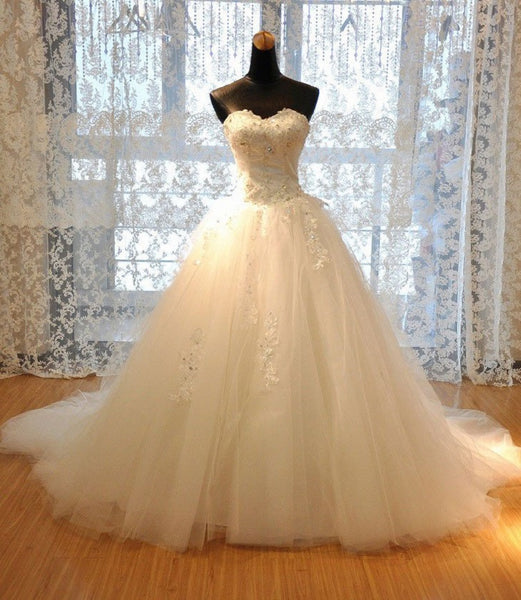 Luxury A-line Strapless Sweetheart Neck Rhinestone Beaded Appliqued Chapel Train Ivory Tulle Wedding Dresses - Solodresses