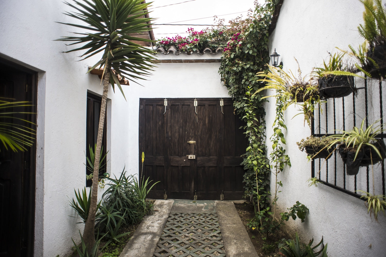 entryway to apartment in antigua