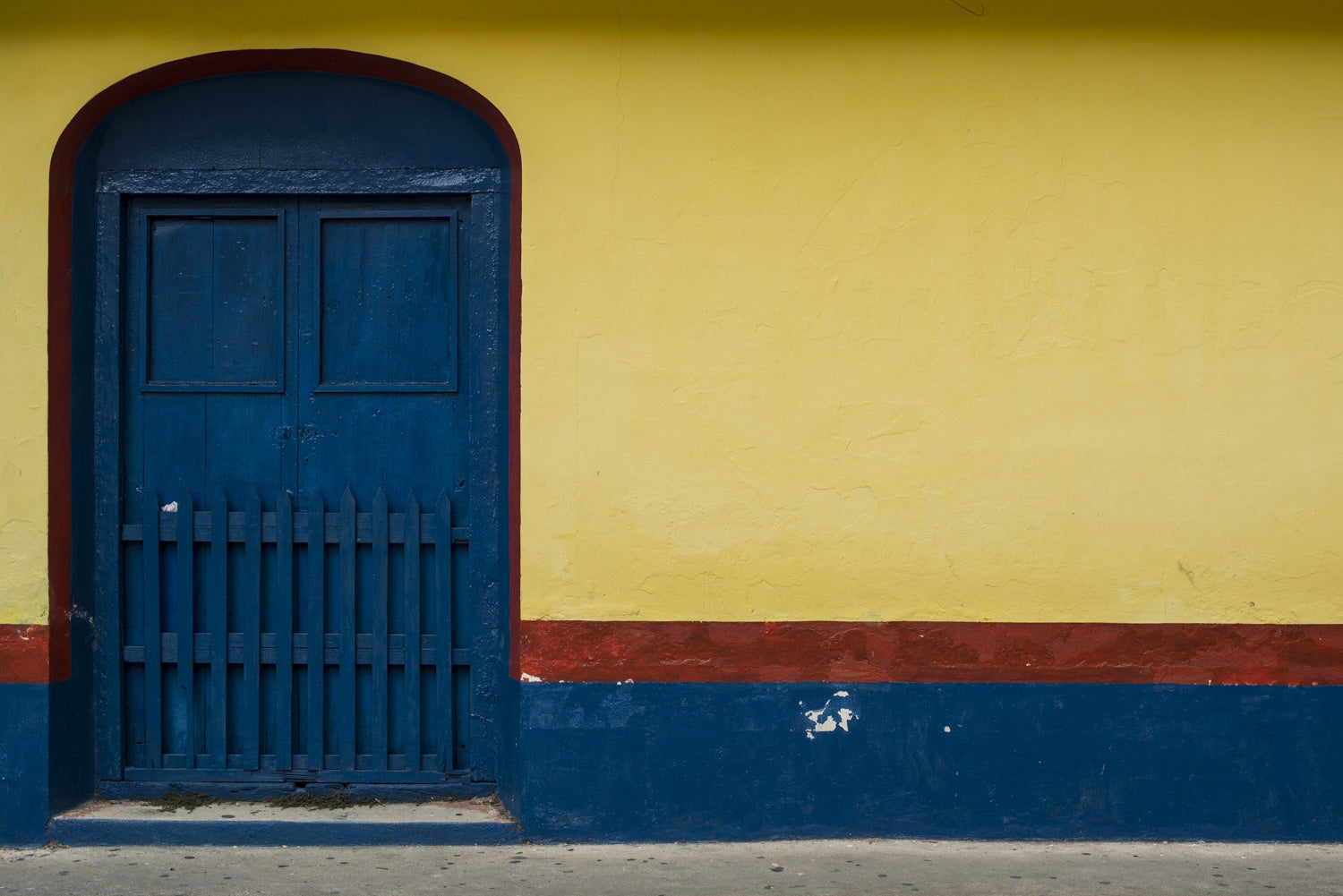 painted doorways in guatemala