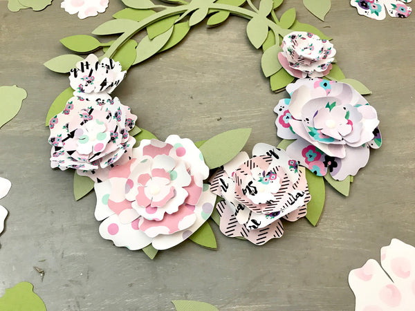 Floral Wreath DIY By Amador. Papercakes design team. www.serenabee.com