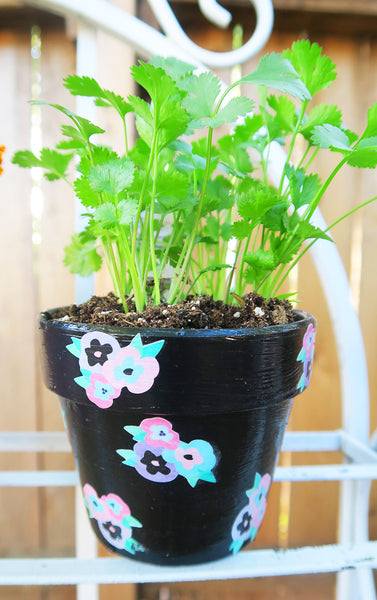 Altered Flower Pots By Taylor. Papercakes design team. www.serenabee.com