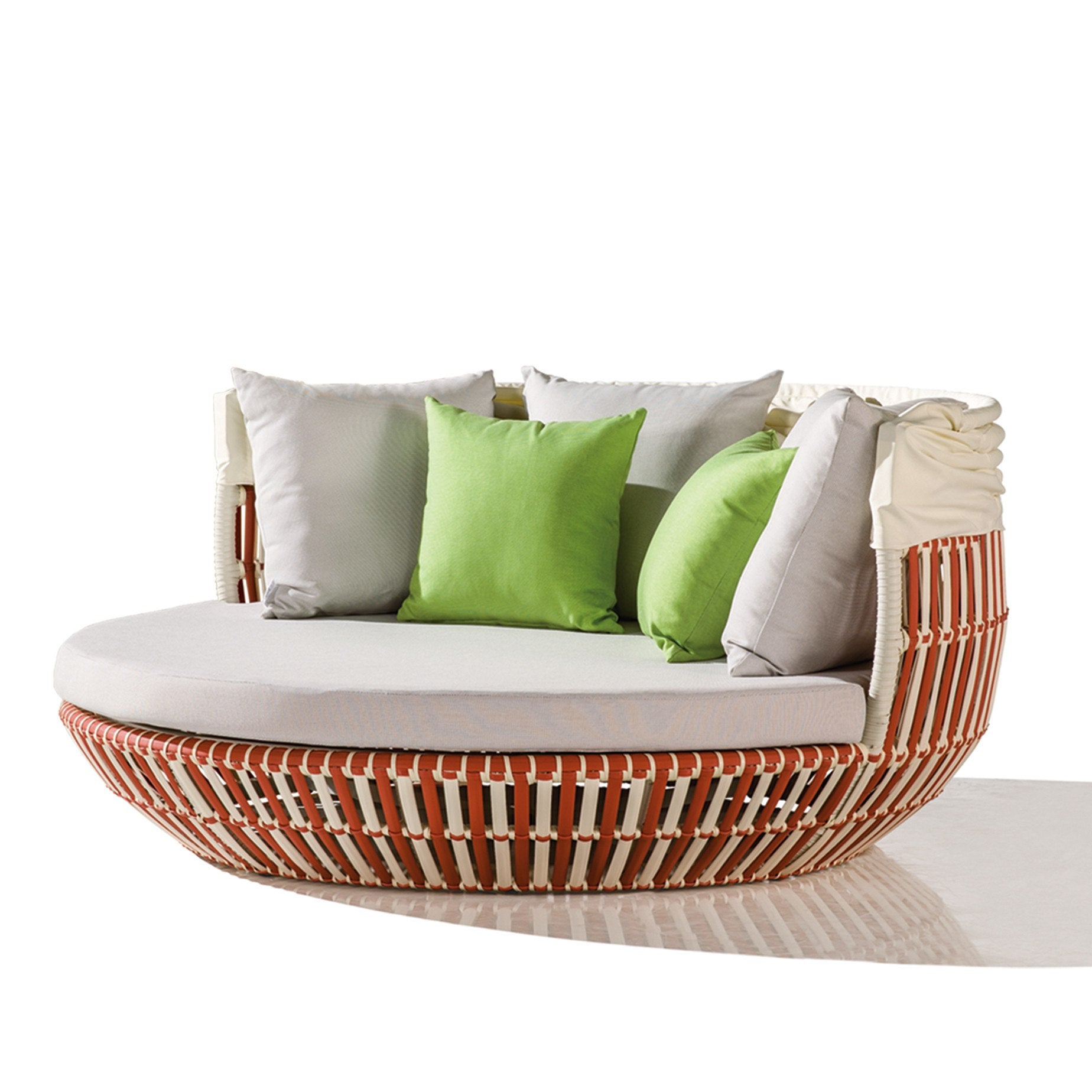 Babylon Daybed In Sample Sale Contract Quality Outdoor Daybed