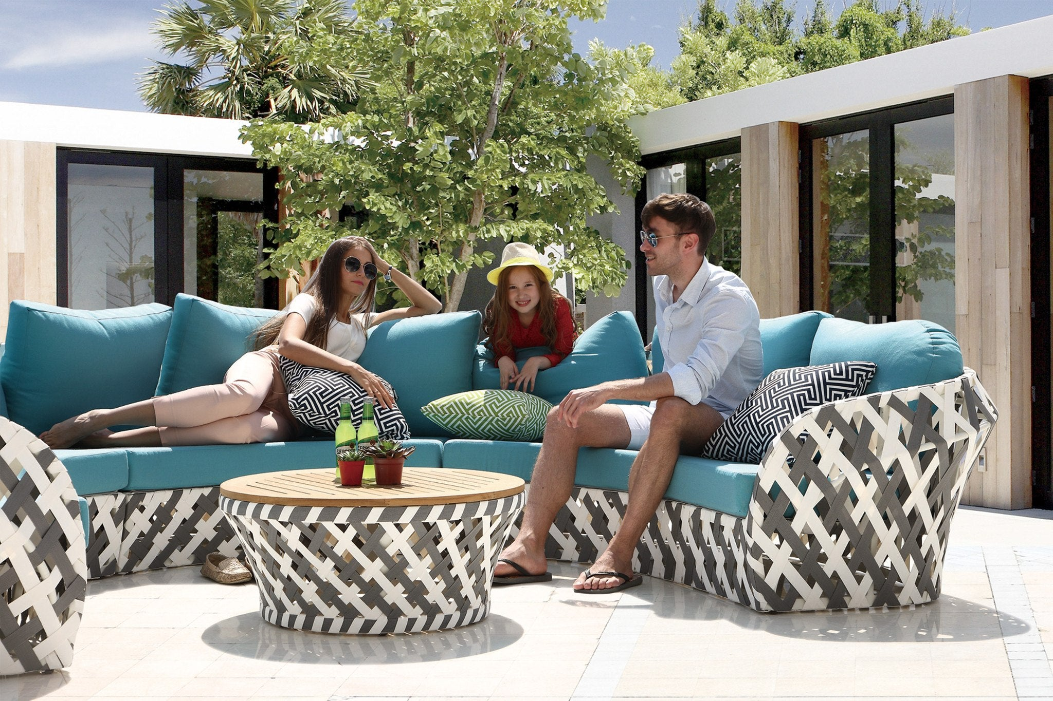 Verona coffee table wteak top tb outdoor design outdoor furniture verona coffee table wteak top geotapseo Image collections