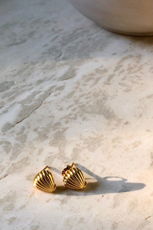 LUNA & ROSE - SHELL WE DANCE? EARRINGS - GOLD