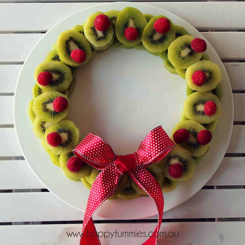 Healthy Christmas Food - Christmas Fruit Wreath - Happy Tummies