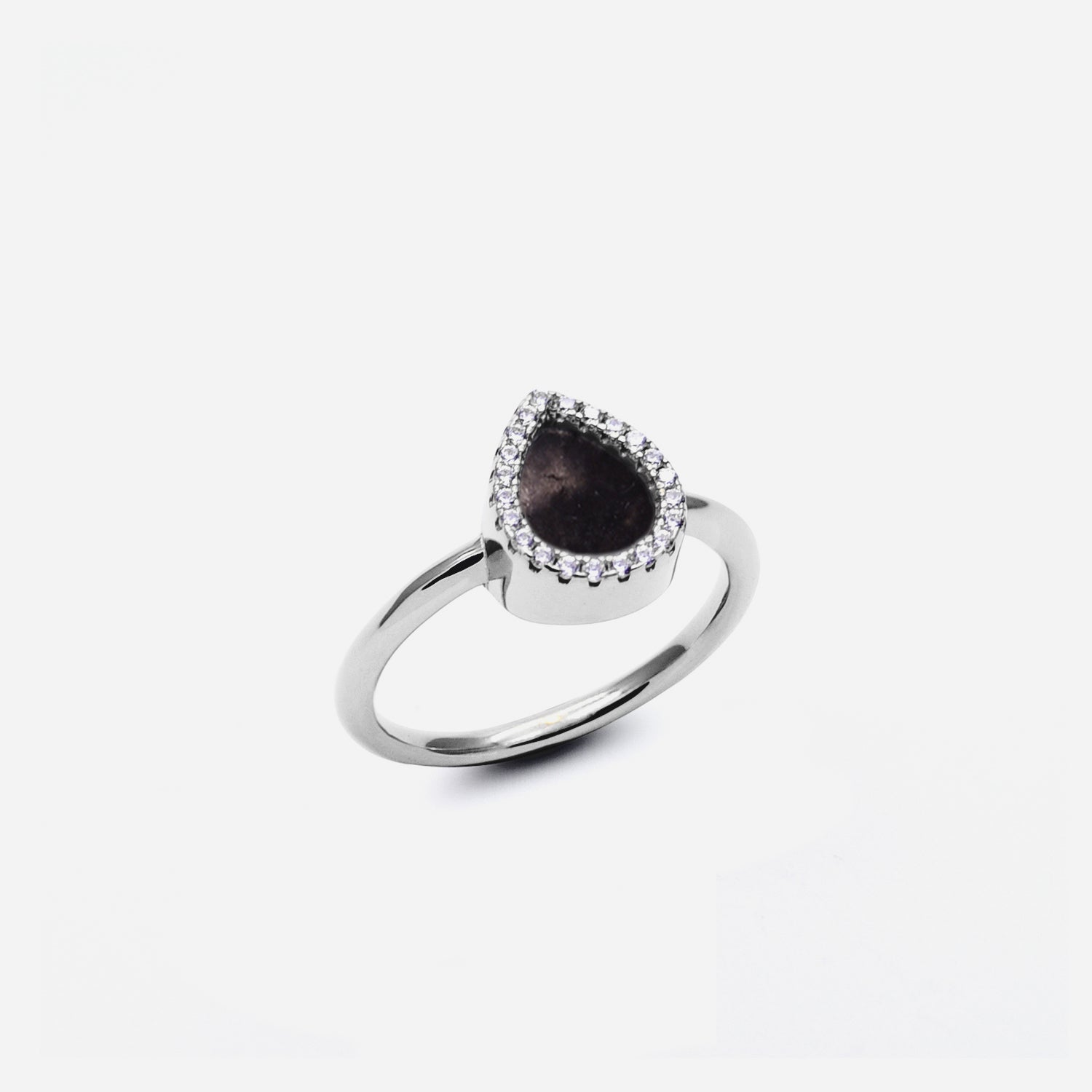 AQUA 水 Small Ring in Black Jade