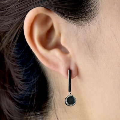 ETERNITY 緣 Dangling Earrings in Black Jade