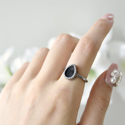 AQUA 水 Ring in Black Jade