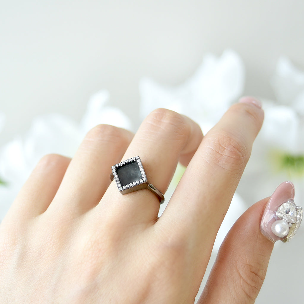 TERRA 方 Ring in Black Jade