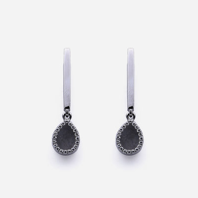 AQUA 水 Dangling Earrings in Black Jade