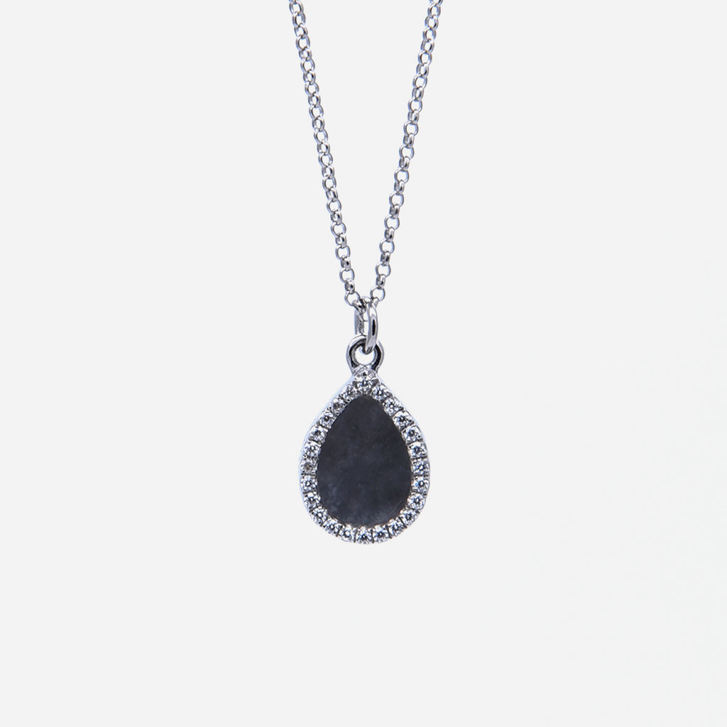 AQUA 水 Necklace in Black Jade