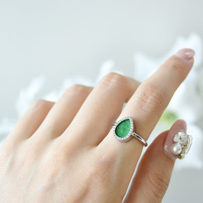 Natural green jade ring in modern style
