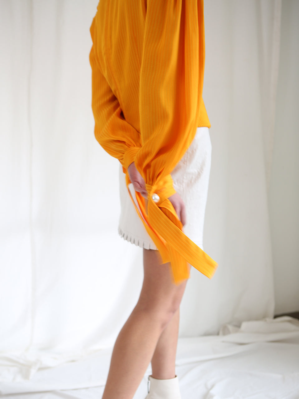 BELLE BALLOON SLEEVES BLOUSE