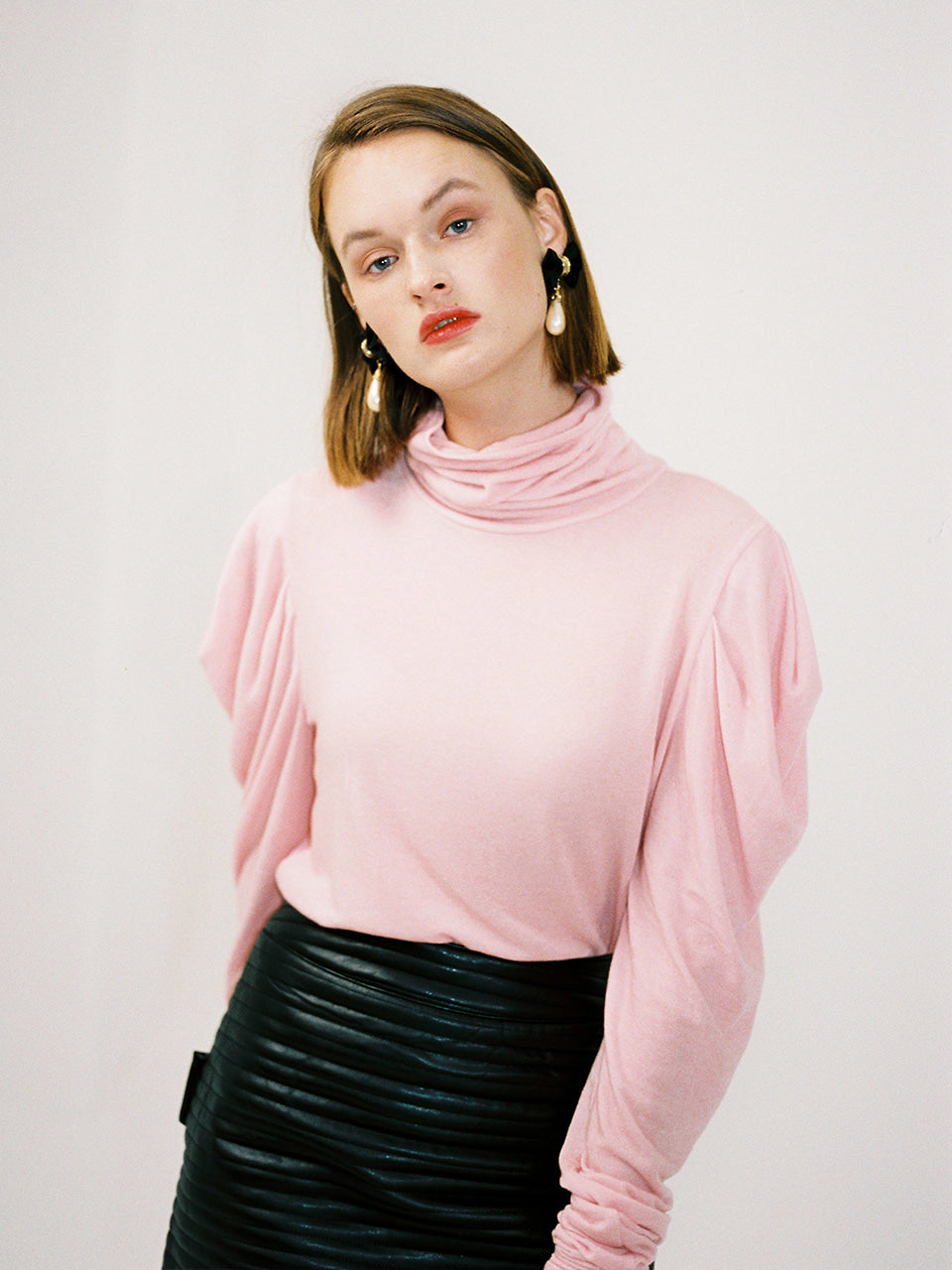 DEMI SHIRRING TURTLENECK_PINK